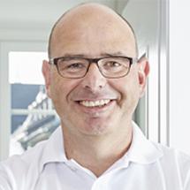Dr. Nils Stucki